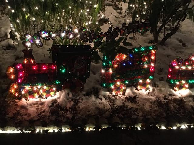 Train Christmas Light Display Peacock Lane